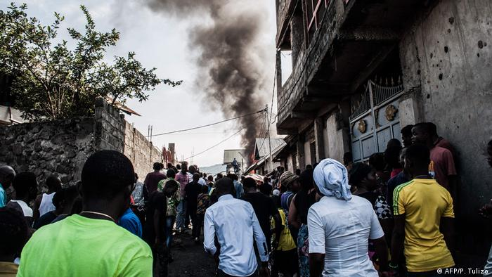 Residents watch as plane crashes in Goma