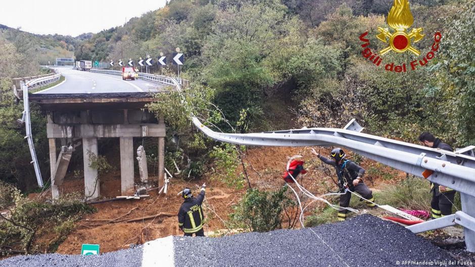 Wetterchaos am Mittelmeer: Menschen sterben Brücke stürzt ein
