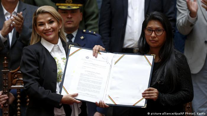 Bolivien | Interimspräsidentin Jeanine Anez | Neuwahlen verabschiedet