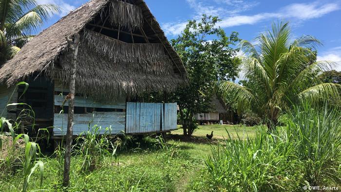 Choza de la comunidad indígena de Santa Clara de Uchunya.