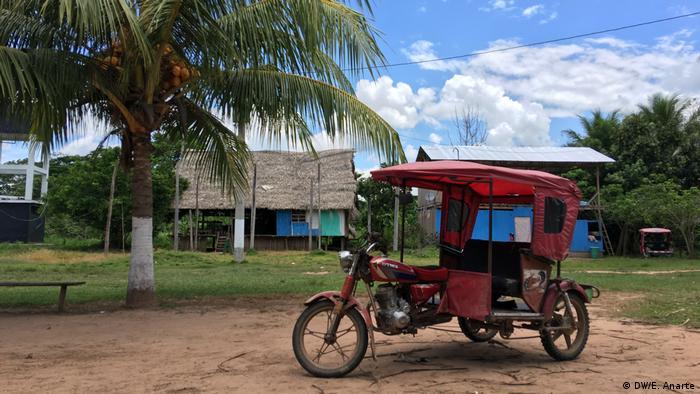 Un motocar de la comunidad indígena de Santa Clara de Uchunya.