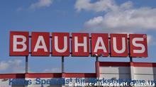 Köln | Logo Schriftzug der Baumarkt Kette BAUHAUS