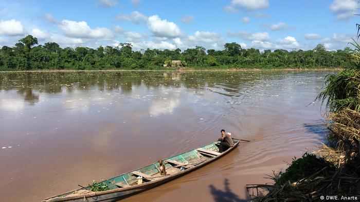 Peru Ucayali   Reportagebilder zum Amazonas Regenwald in Santa Clara de Uchunya