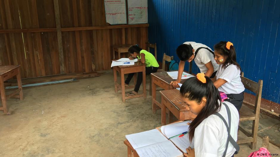 Educación de los uchunya en Perú: los niños indígenas que sueñan con ser abogados | Derechos Humanos | DW | 05.12.2019