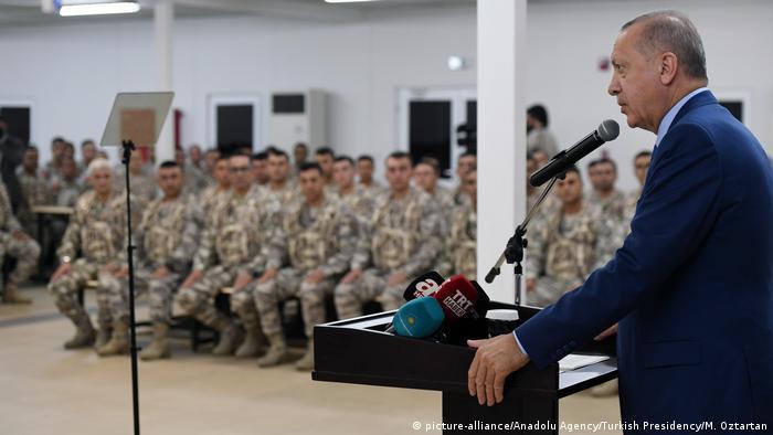 Erdoğan Katarlı askerlerle