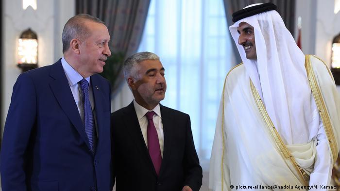 Cumhurbaşkanı Erdoğan Katar Emiri Temim bin Hamed es Sani ile birlikte (Kasım 2019)