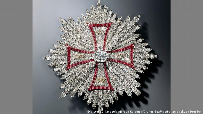 Breast star of the Order of the White Eagle made of diamonds, rubies, gold and silver