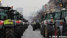 Berlin, Kaiserdamm und Strasse des 17. Juni vorm Großer Stern. Traktoren Demo