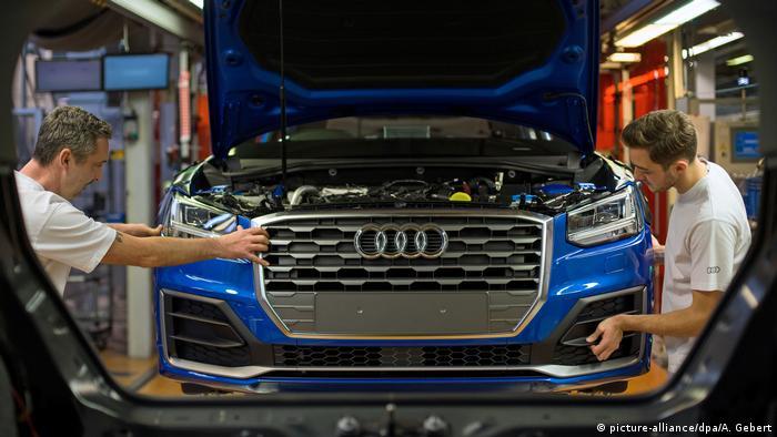 Ingolstadt   Fließband im Audi-Werk
