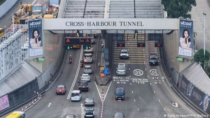 Hongkong wird am Mittwoch nach Protesten den Cross-Harbor-Tunnel wieder eröffnen