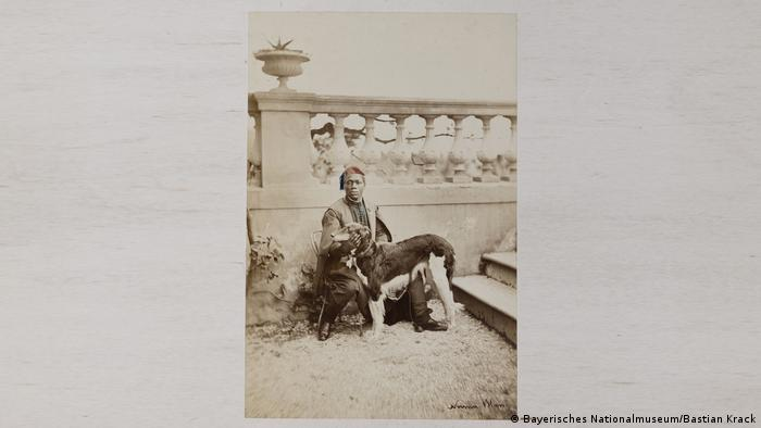 1869 photograph of a man with a svelte dog in Nice(Bayerisches Nationalmuseum/Bastian Krack)