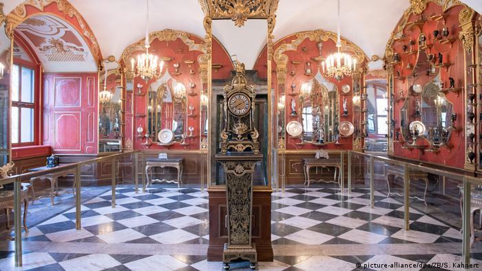 У срібній кімнаті скарбниці Зелене склепіння у Дрездені