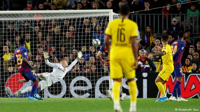 Champions League FC Barcelona v Borussia Dortmund   Tor Sancho