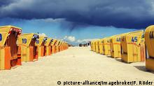 Gelbe Strandkörbe in Mecklenburg-Vorpommern