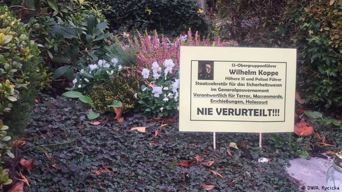 Wilhelm Koppe - Nigdy nieukarany - głosi kolorowa tabliczka na jego grobie w Bonn
