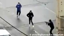 Iran Teheran | iranische Sicherheitskräfte zielen auf Demonstranten
