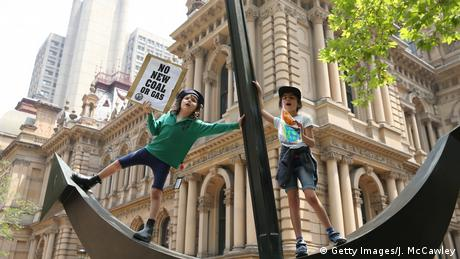 Students and protestors gather Sydney Town Hall on November 29, 2019 in Sydney, (Getty Images/J. McCawley)
