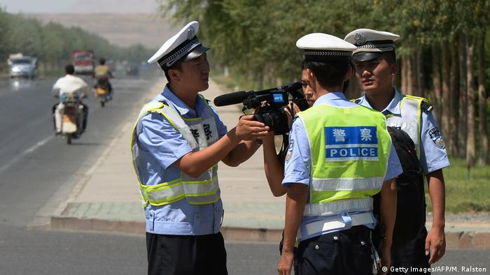 China | Uiguren | Polizei (Getty Images/AFP/M. Ralston)