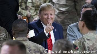 Президент США Дональд Трамп на базе США в Баграме, ноябрь 2019 года