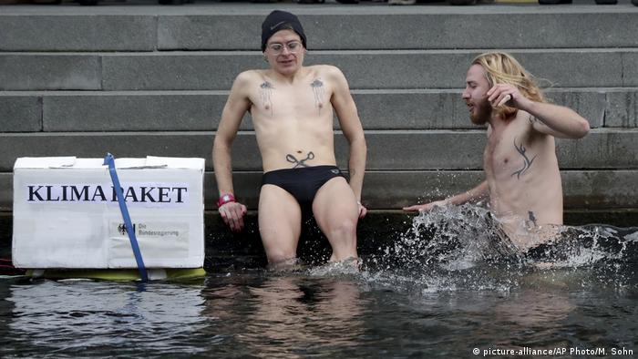 Deutschland Klimaprotest | Friday Climate Action Day (picture-alliance/AP Photo/M. Sohn)