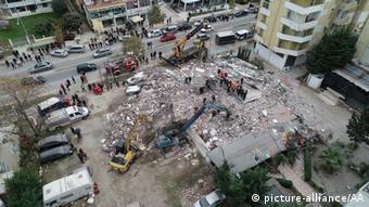 Nach dem Erdbeben in Albanien (picture-alliance/AA)
