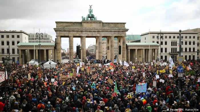 Deutschland Klimaprotest Fridays for Future in Berlin