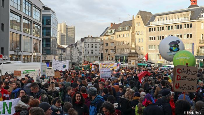 Bonn | Fridays for Future Klimastreik in Bonn (DW/J. Mejer)