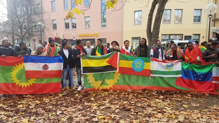 Pro Jawar Mohammed Demo in Nürnberg (DW/T. Dinsa)