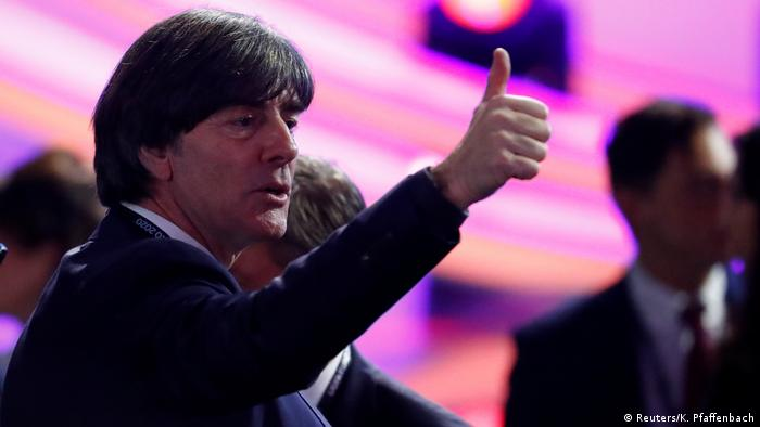 Rumänien Bukarest | Auslosung Fußball-EM 2020 | Deutschland, Bundestrainer Joachim Löw (Reuters/K. Pfaffenbach)
