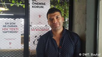 Kırmızı Kurdele'den İstanbul gönüllüsü Arda Karapınar
