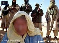 Terroristas da Al-Qaeda no Mali exibem refém ocidental em fevereiro de 2009