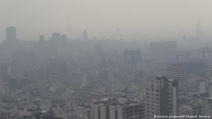عکس آرشیوی از تهران دود گرفته