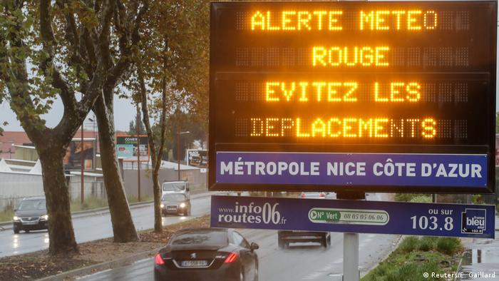 A road sign in the French Riviera reads, Red alert, avoid trips
