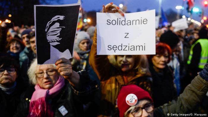 Polen Warschau Protest gegen Justizreform der Regierung