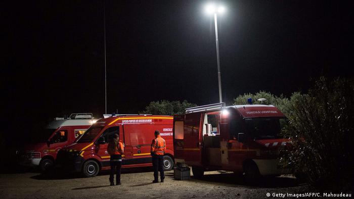 Рятувальники поблизу місця падіння вертольота, внаслідок аварії якого загинули твоє людей
