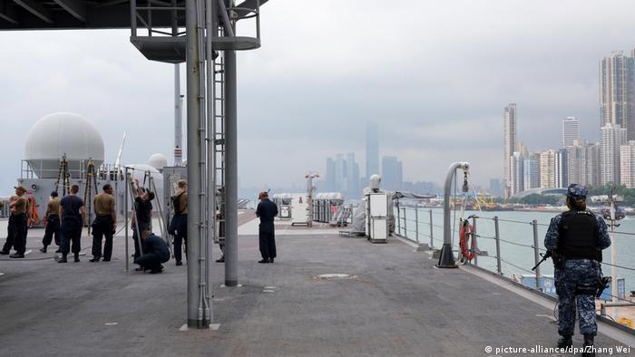 US-Kriegsschiff USS Blue Ridge im Hafen von Hongkong