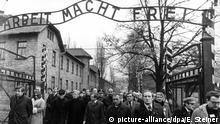 Polen NS-Vernichtungslager Auschwitz l Besuch von Bundeskanzler Helmut Schmidt