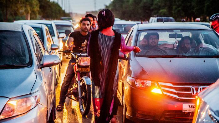 Scene from the film Gender X - Transgender in Pakistan