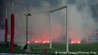 1. Bundesliga   1. FSV Mainz 05 vs Eintracht Frankfurt   Fackeln (Imago Images/Thomas Frey)