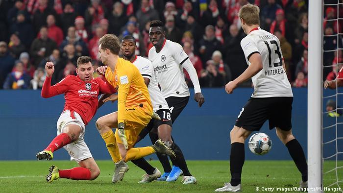1. Bundesliga   1. FSV Mainz 05 vs Eintracht Frankfurt   Tor (2:1) (Getty Images/Bongarts/M. Hangst)