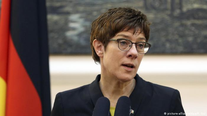 Annegret Kramp-Karrenbauer (picture-alliance/dpa/R. Gul)