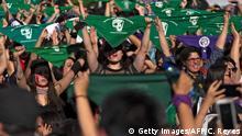 Chile l Protest als Feministische Performance in in Santiago