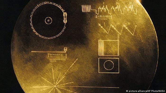 На път към нови планети: златният запис, вкл. с музиката на Бетовен, лети извън Слънчевата система