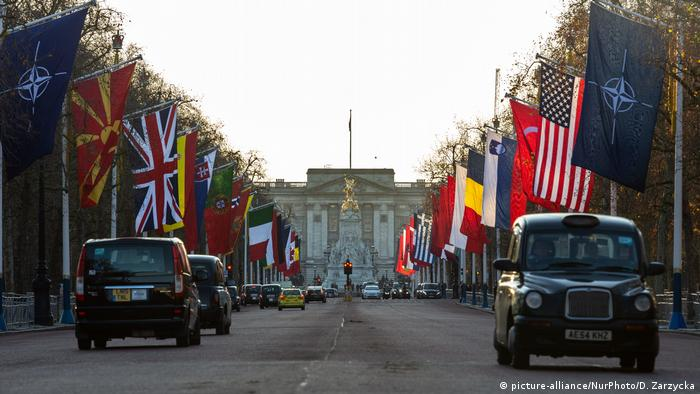 NATO Gipfel London England (picture-alliance/NurPhoto/D. Zarzycka)