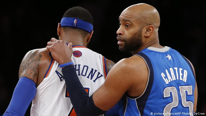USA Basketball NBA | Spieler Carmelo Anthony & Vince Carter (picture-alliance/AP Photo/J. DeCrow)