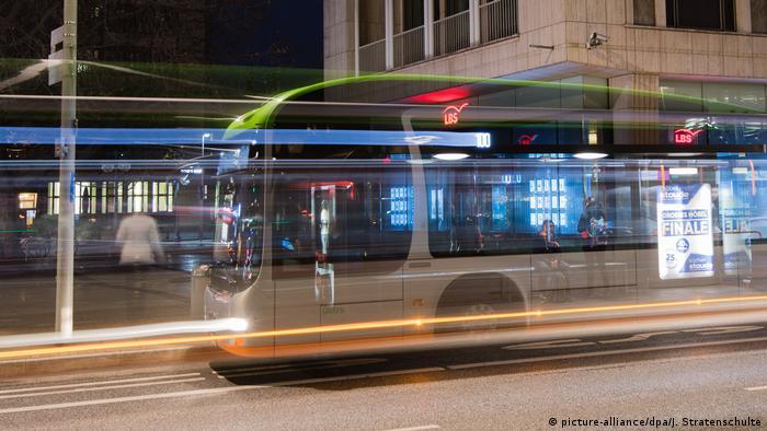 Gradski Prevoz Besplatan Ili Kvalitetan Politika Dw 09 12 2019