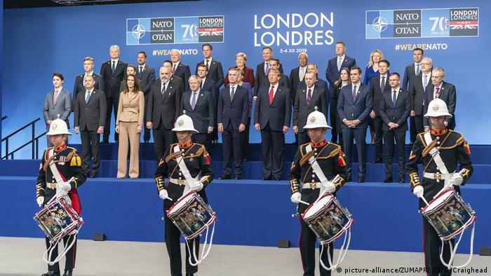 UK NATO Gipfel | Gruppenbild (picture-alliance/ZUMAPRESS/S. Craighead)