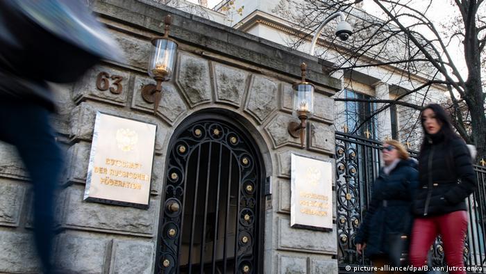 Поки що реакція на вбивство у Берліні обмежилася висланням двох російських дипломатів