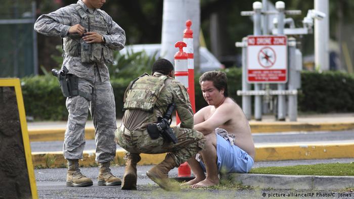 USA Schüsse auf Militärstützpunkt Pearl Harbor-Hickam (picture-alliance/AP Photo/C. Jones)