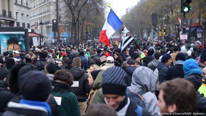 Frankreich | Streik gegen Rentenreformen (picture-alliance/AA/D. Aydemir)